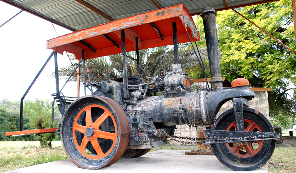 Steamroller in front of the Alte Fort Museum, which was used for road works in the copper mine of Berg Aukas about 20 km east of Grootfontein